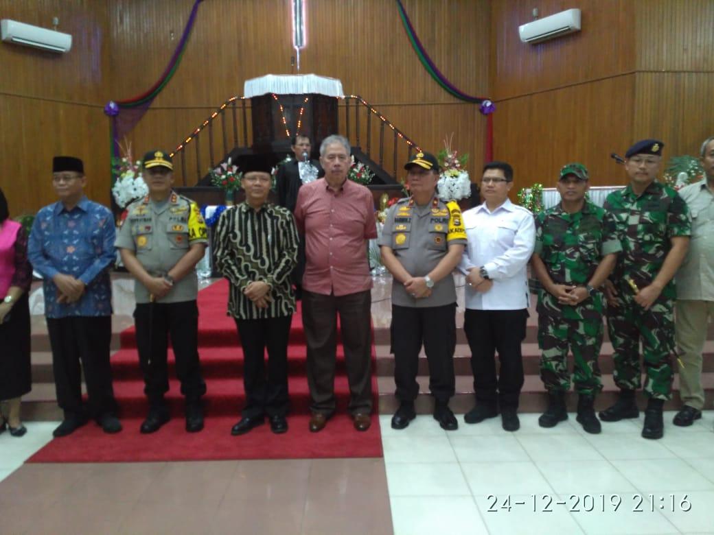 Ketua PT Bengkulu DR. Moh. Eka Kartika EM, SH, M.Hum pantau keamanan malam natal 2019 bersama Gubernur & Forkopimda Bengkulu