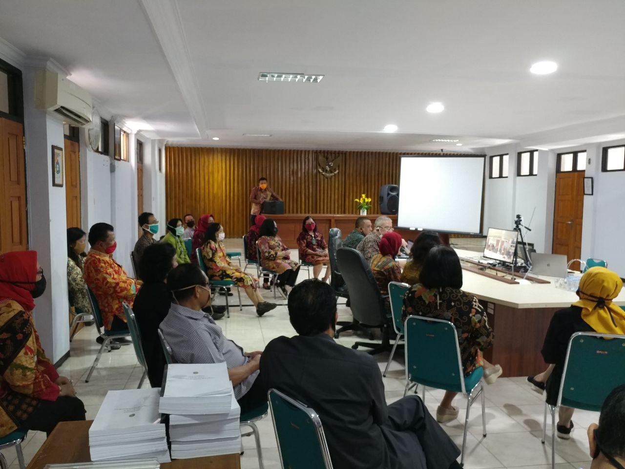 Pengecekan Kehadiran Hakim dan Pegawai oleh Ketua Pengadilan Tinggi Bengkulu